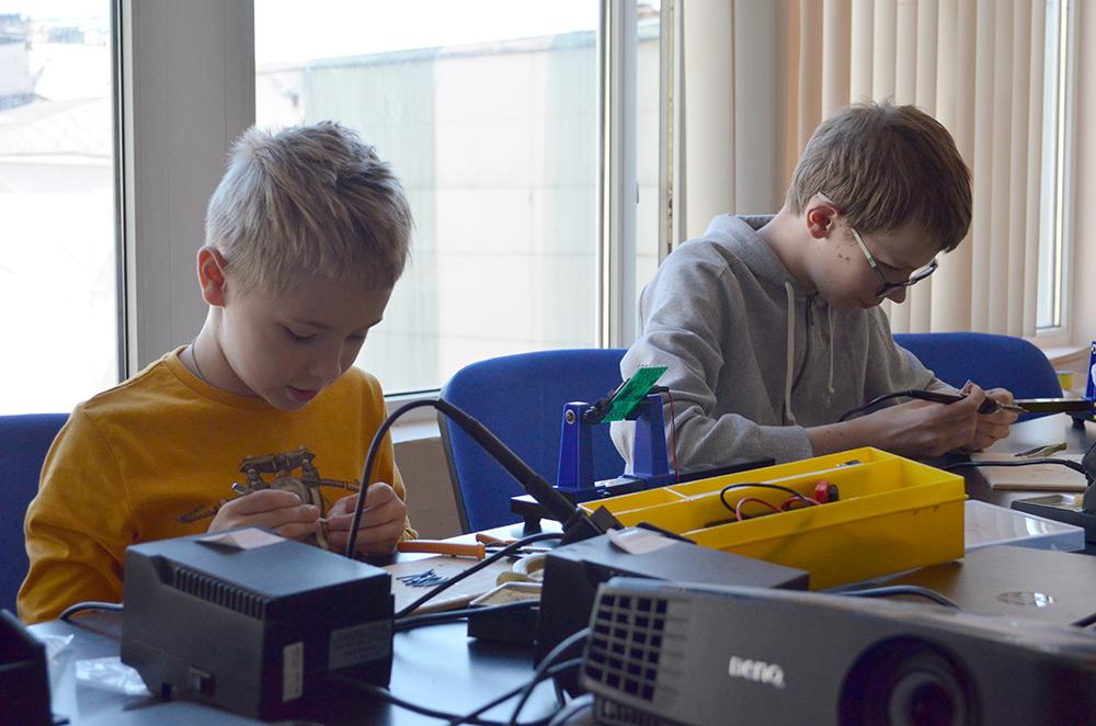 Инженерные каникулы. Электроника и пайка