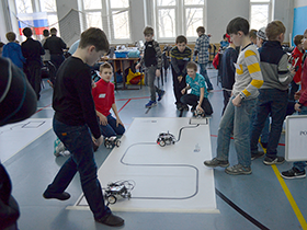 Курс робототехники для детей Мобильные роботы EV3 / 9+