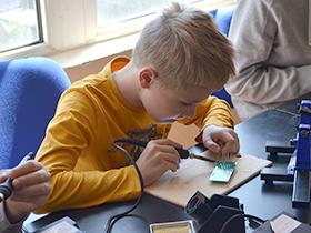 Курс по электронике для детей Основы электроники / 9+