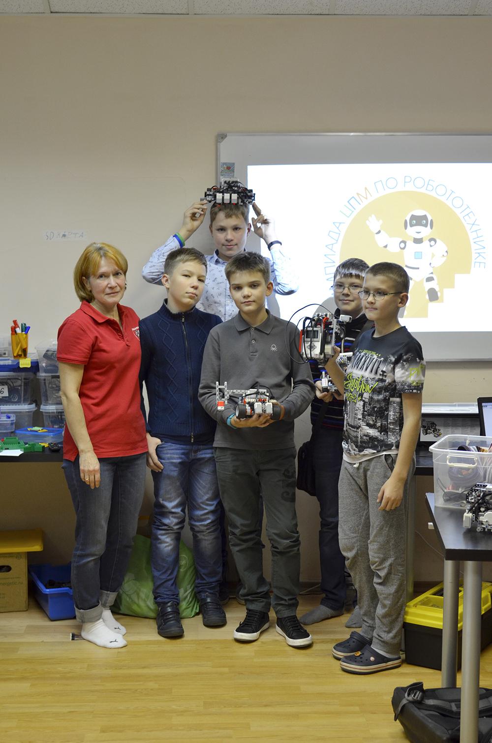 Олимпиада ЦПМ по робототехнике в Робоцентре Полигон. Первые состязания