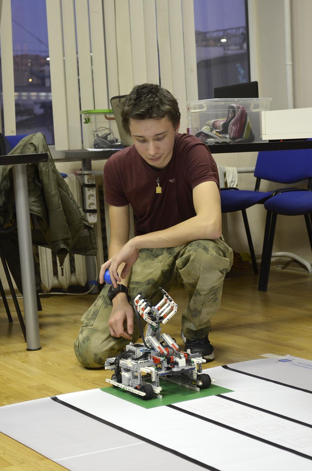Олимпиада ЦПМ по робототехнике в Робоцентре Полигон. Старшая категория
