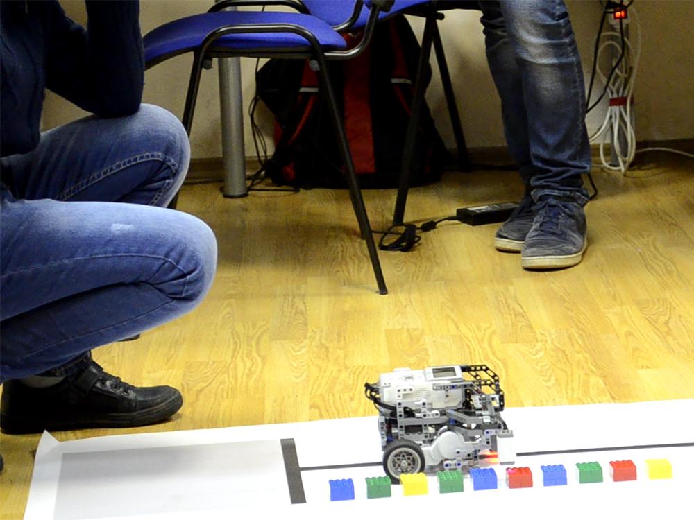 Олимпиада ЦПМ по робототехнике в Робоцентре Полигон. Средняя категория 1