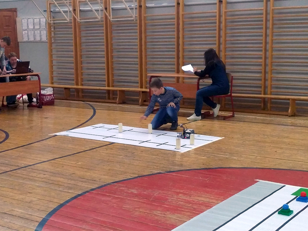 Олимпиада ЦПМ по робототехнике в школе 1576. Младшая категория 2