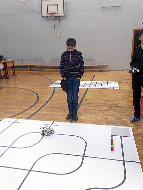 Олимпиада ЦПМ по робототехнике в школе 1576. Средняя категория 1