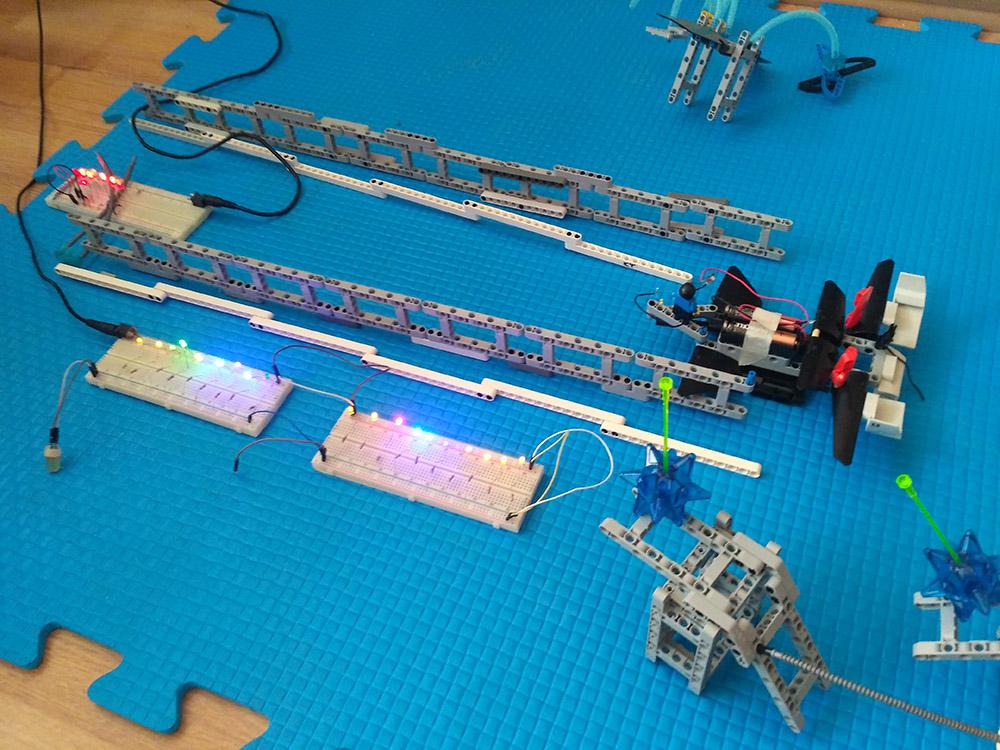 Занятия электроникой в летнем инженерном лагере